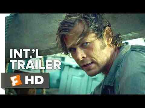 In the Heart of the Sea - trailer 4