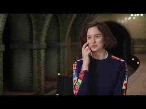 Fantastic Beasts and Where to Find Them - Katherine Waterston Interview