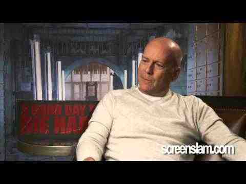 A Good Day to Die Hard - Bruce Willis Exclusive interview 2/2