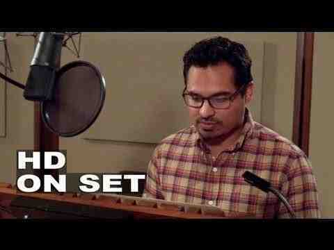 Turbo - Michael Pena Voicing his Character