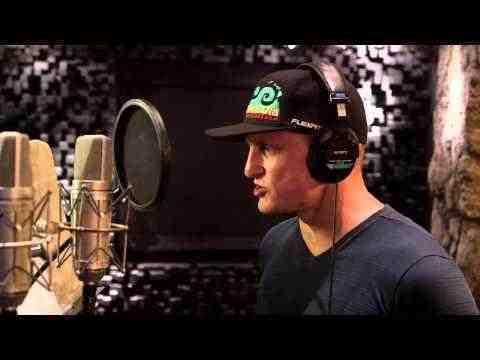 Free Birds - Behind the Scenes Voice Acting Woody Harrelson