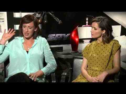 Spy - Miranda Hart & Rose Byrne Interview