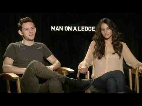Man on a Ledge - Jamie Bell and Genesis Rodriguez Interview